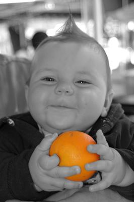 Introduction d'aliments solides dans la nourriture du bébé