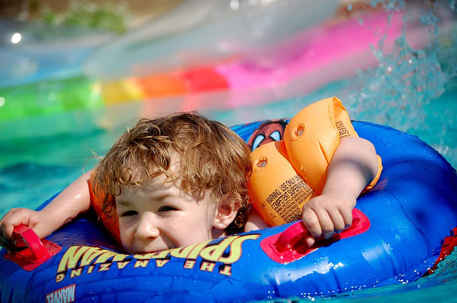 jeux gonflables pour piscine